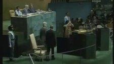 BM'de Sözleşme Fırlatmak - Muammer Kaddafi