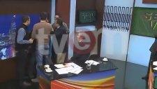 Adnan Aybaba vs Mehmet Baransu Kavgası ( Kamera Arkası - 17.  Saniyeden Sonra Görüntülü)