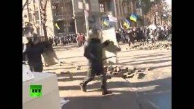 Gerçek Anlamda Polise Taş Atmak - Ukrayna
