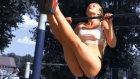 Ukrayna'da Parkta Spor Yapan Seksi Kızlar