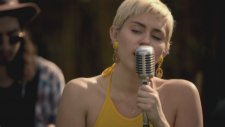 Miley Cyrus - 50 Ways to Leave Your Lover (Canlı Performans)