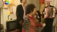 Arz Ederim Hasan Çiftleşme Dansı