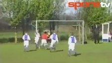 7 yaşındaki Depay'dan müthiş gol!