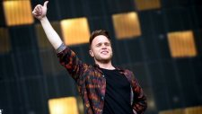 Olly Murs feat. Grimmy - Wrapped Up (Canlı Performans)