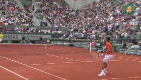 Dışarı Çıkan Topa Dokunmak - Novak Djokojic