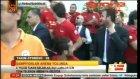 Galatasaraylı futbolcular tezahüratlarla coştu!