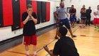 Basket Maçı Yaparken Sakatlanma Numarası Yapıp Evlilik Teklifi Eden Adam