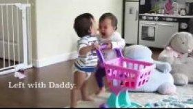 Sevimli İkizlerin Rekabeti