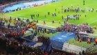 Kupa Barcelonalı futbolcuların ellerinde böyle yükseldi!