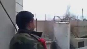 Çatışmada El Nusralıları Trolleyen Suriye Askeri