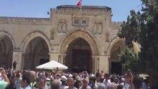 Mescid-i Aksa'ya Türk Bayrağı Asılması