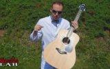Ağır Çekimde Gitar Tellerinin Hareketleri
