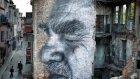 Dünyaca ünlü grafiti sanatçısı JR, İstanbul'daki binaları çizdi