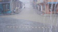 Perşembe Beldesinde Sağanak Yağmur