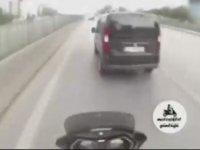 Sensin Bi Kere Saygılı Taam mı - Motorcu ve Kadın Sürücü