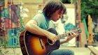 Michael Jackson'ın 'Beat It' Şarkısını Gitarla Çalan Yetenekli Çocuk