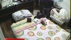 Hırsızlar yatak odasında yakalandı!