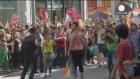 LGBT Yürüyüşü Polis Tarafından Dağıtıldı