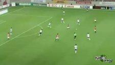 Urawalı oyunculardan ilginç gol sevinci