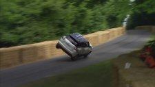 Araba ile 2 Teker Üzerinde Giderek Dünya Rekoru Kırmak