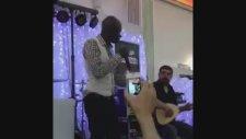 Paris'te Bir Düğün: Afrikalı Türkücü