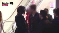 Taksim'de Bir Gecelik Oda Arayan Kadın