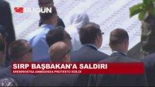 Srebrenitsa'da Sırp Başbakan'a Saldırı