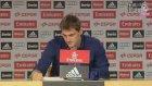 Iker Casillas Göz Yaşlarını Tutamadı