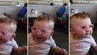 Yeni Gözlükleri İle Daha İyi Görebilen Bebeğin Mutluluğu