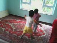 Çocukların Balon Kavgası