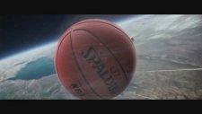 Film Sahnelerine Giren Basketbol Topu