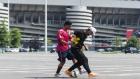 Milan'lı Oyuncuyla Sokak Futbolunun Efsanesi Kapıştı