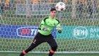 Toni Kroos 16 Yaşındaki Kaleciye Takıldı