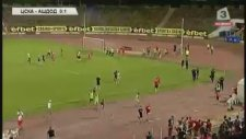 Bulgar Taraftarlar İsrailli Futbolcuları Kovaladı!