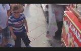 Sinirli Çocuğun Dondurmacıyla İmtihanı