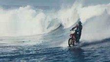 Motosikletli Sörfçü Tarihe Geçti
