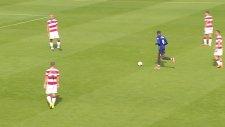 Bütün takım gol atmasını izledi!