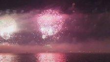 İstanbul Boğazı'nda Muhteşem Havai Fişek Gösterisi