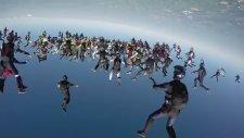 164 Paraşütçü ile Dünya Rekoru