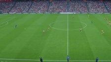 Barcelona'ya Orta Sahadan Gol Atmak