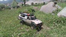 RcModelex Mex Toyota Hilux in River