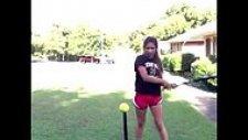 Beyzbol Sopası ile Harikalar Yaratan Kadın