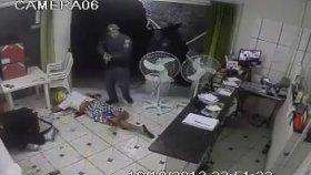 Brezilya'da Hırsızlık Yaparken Yakalanmak ( 18)