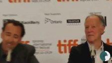 Nicholas Cage'e Soru Sorun!
