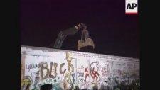 Berlin Duvarı'nın Yıkılışı 1989