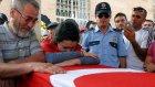 Cumhurbaşkanı Erdoğan'dan Şehidin Acılı Kız Kardeşine: 'Ağabeyin de Bu Mesleği Seçmeseydi