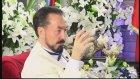 Ahmedinejad ölümü tefekkür etmek için annesinin mezarına yatmıştır.