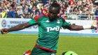 Oumar Niasse düşe kalka golünü attı