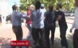Biber Gazı Sıkan Polise Kafa Atmak