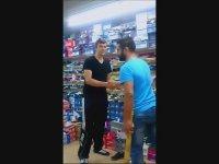 İrlandalı'nın Oğlu Ayakkabı Mağazasını Dağıtırsa